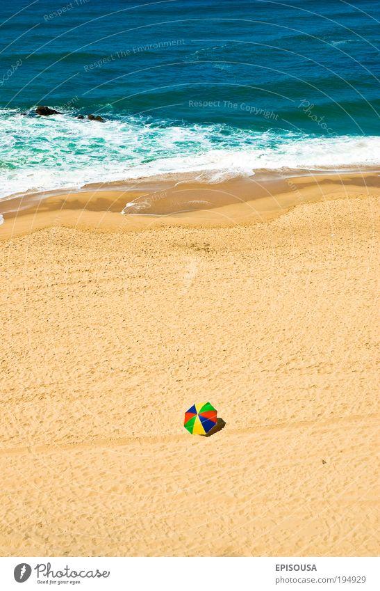 Natur Wasser Meer rot Sommer Strand Ferien & Urlaub & Reisen Einsamkeit Sand Küste Tourismus Reichtum Tourist Portugal vertikal Mensch