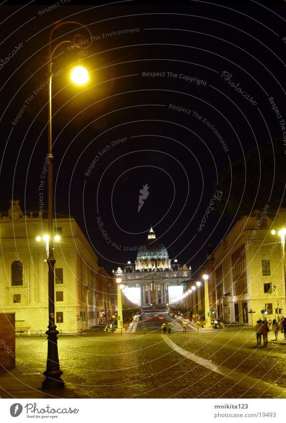 Die Lampe bei der Angel-burg Rom Vatikan Angelburg Nacht Europa