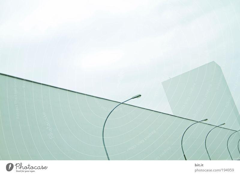 ALLEE DER KIPP LATERNEN Luft Wolken Haus Bauwerk Gebäude Architektur eckig blau grau ruhig Laterne Licht Linie Strukturen & Formen Lampe modern