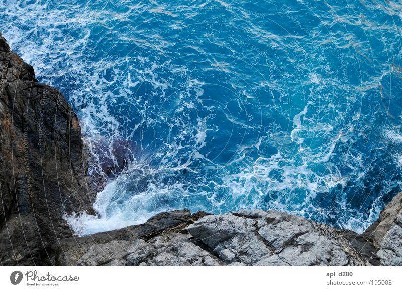 Gefährliche Brandung Natur Wasser Meer blau Sommer grau Zufriedenheit braun Kraft Küste Umwelt nass Erfolg ästhetisch bedrohlich natürlich