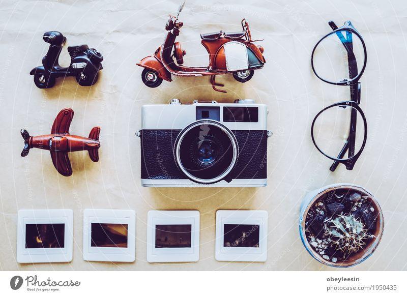 Draufsicht von Traveler Zubehör Lifestyle Stil Kunst Design Abenteuer Künstler