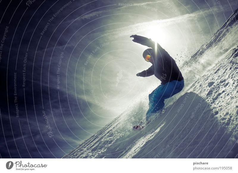 Bretter, die die Welt bedeuten Mensch Himmel Jugendliche blau Sonne Wolken Freude Winter Berge u. Gebirge Schnee Sport maskulin leuchten elegant Geschwindigkeit