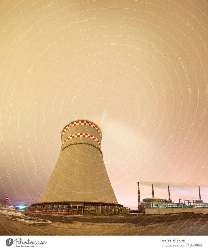 Wärmekraftwerk und Kühlturm in der Nacht Stadt Landschaft Wolken Winter dunkel Umwelt Schnee Gebäude Energiewirtschaft modern Technik & Technologie Industrie