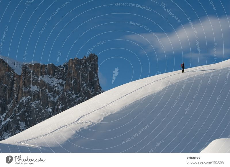 alternativer schneesport Mensch Ferien & Urlaub & Reisen Freude Winter Berge u. Gebirge Bewegung Schnee Lifestyle gehen Freizeit & Hobby wandern stehen Ausflug Alpen Skifahren sportlich