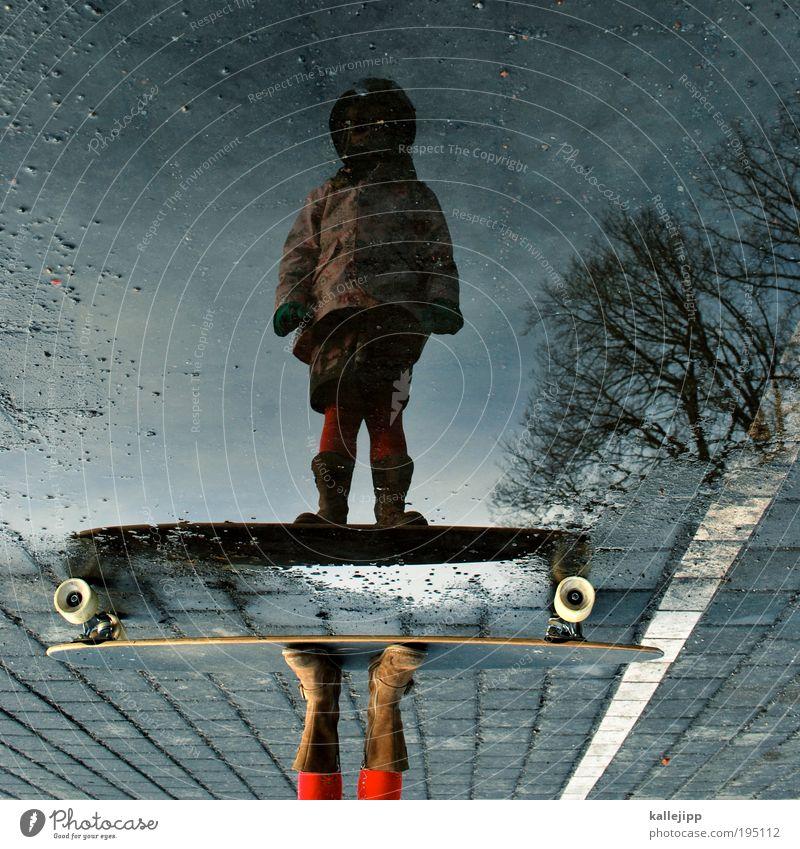 prinzessin auf der erbse Mensch Kind Mädchen Leben Sport Spielen Kindheit Schuhe Freizeit & Hobby Lifestyle fahren Wasser Surfbrett Stiefel Skateboard Strumpfhose