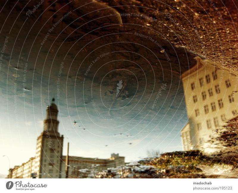 KLPR Wasser Pflanze Berlin Freiheit träumen Gebäude Regen Architektur Umwelt Fassade Turm Klima Idylle Skyline Surrealismus
