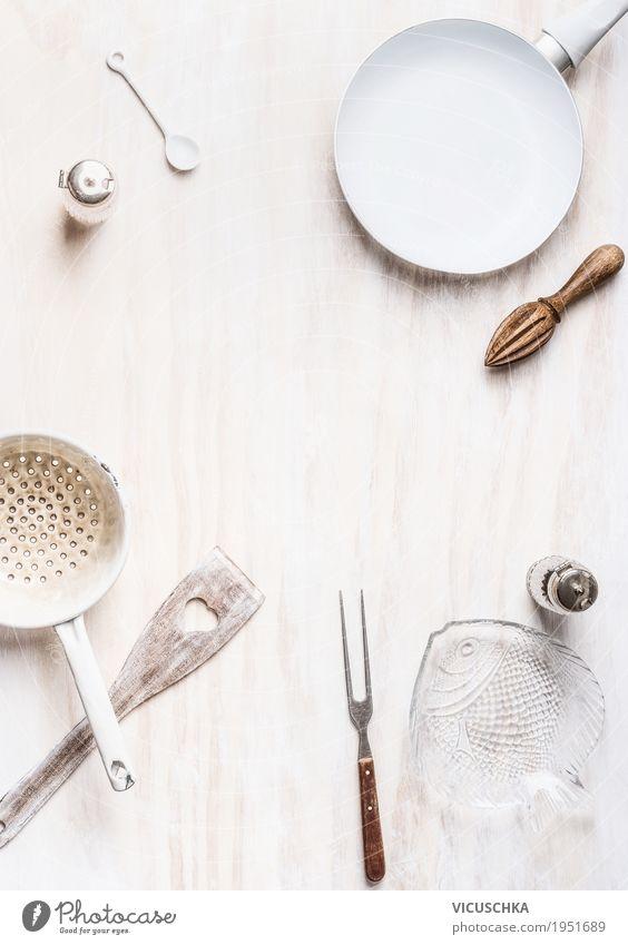 Kochen Hintergrund mit leeren Kochutensilien Ernährung Geschirr Schalen & Schüsseln Topf Pfanne Becher Gabel Löffel Stil Design Häusliches Leben Tisch Küche