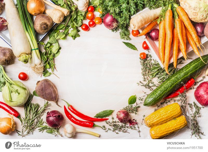 Vielfalt von Bio-Gemüse für leckere vegetarische Küche Lebensmittel Kräuter & Gewürze Ernährung Bioprodukte Vegetarische Ernährung Diät Stil Design Gesundheit