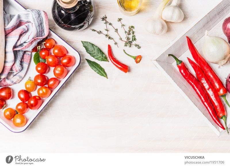 Würzige Küche Lebensmittel Gemüse Kräuter & Gewürze Öl Ernährung Bioprodukte Vegetarische Ernährung Diät Geschirr Stil Design Gesundheit Gesunde Ernährung Tisch