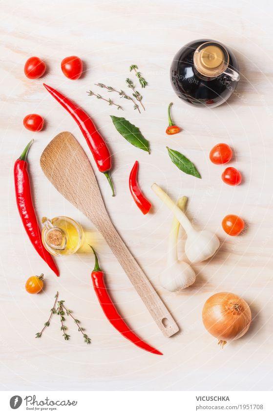 Gewürze und Öl Auswahl mit Kochlöffel Gesunde Ernährung Leben Gesundheit Stil Lebensmittel Design Glas Kräuter & Gewürze kochen & garen Küche Scharfer Geschmack