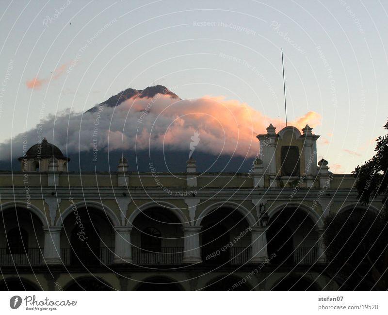 Wolken im Paradies Guatemala Mittelamerika Antigua Guatemala