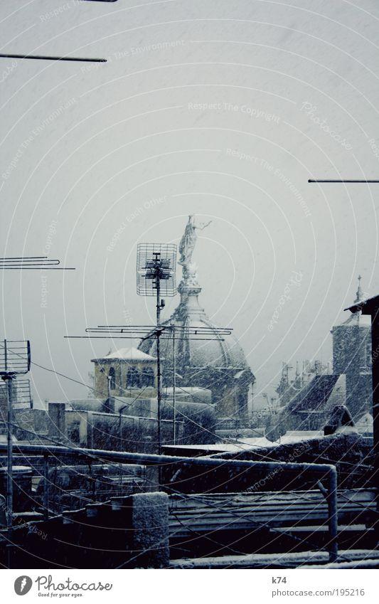 snow in barcelona Himmel weiß kalt Schnee grau Dach fallen frieren Terrasse Elektrisches Gerät Antenne Wetter