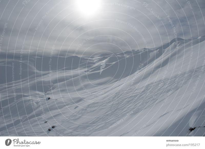 cold sweat Winter Schnee Winterurlaub Berge u. Gebirge Wintersport Skipiste Alpen Gipfel Schneebedeckte Gipfel kalt Freude Skitour Freestyle Spuren genießen
