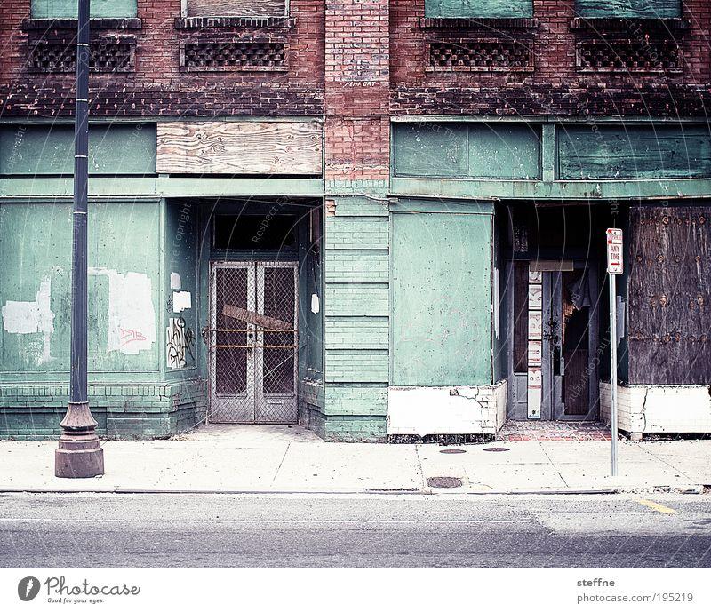 inner city Haus Einsamkeit Straße Tür Armut Fassade USA Stadt Vergänglichkeit Verzweiflung Ruine Stadtzentrum Louisiana Stadtrand Laternenpfahl