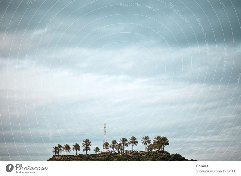 lost Natur Himmel Wolken Einsamkeit Ferne Landschaft klein gehen Umwelt Energie Horizont modern Wachstum mehrere Insel Tourismus