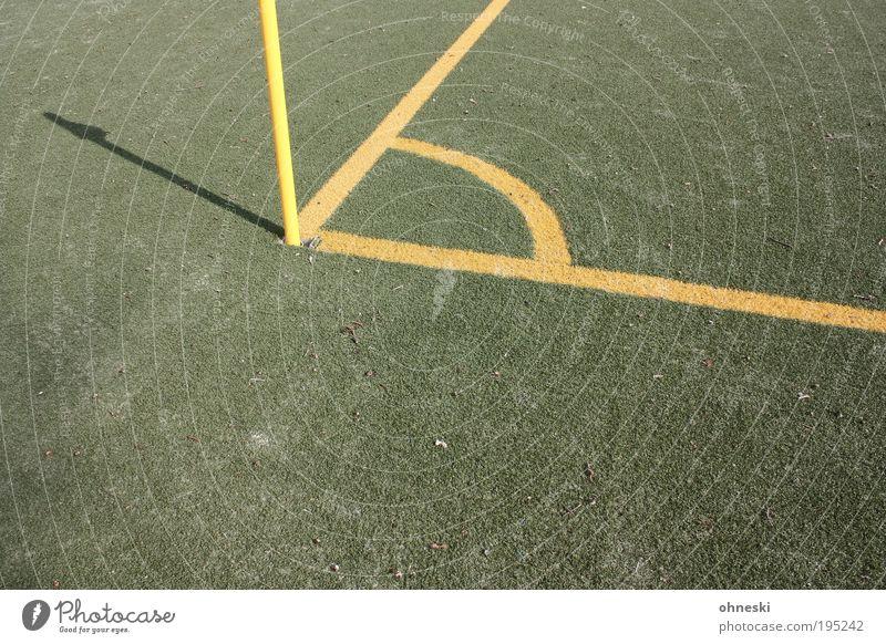 Ecke Sport Ballsport Sportveranstaltung Erfolg Verlierer Eckstoß eckig Fußball Sportstätten Fußballplatz Weltmeisterschaft Spielen grün Eckfahne Kunstrasen