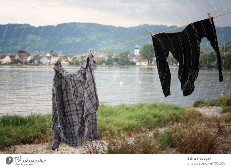 Rendezvous Natur Wasser Erholung Landschaft Freude lustig See warten Bekleidung Lebensfreude Romantik Seil Sauberkeit Reinigen Hügel Seeufer