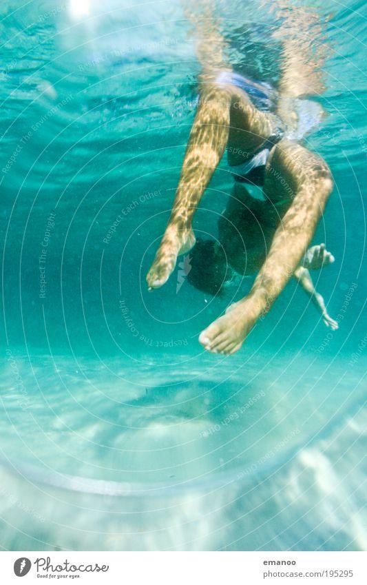wassergymnastik Mensch Jugendliche Wasser Sonne Ferien & Urlaub & Reisen Meer Sommer Freude Erwachsene Erholung feminin Freiheit Bewegung Wellen