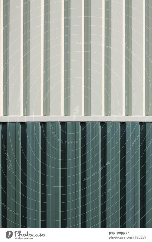 Profilneurose Güterverkehr & Logistik Baustelle Industrieanlage Mauer Wand Fassade Container Metall Stahl Linie grau Wellblechhütte Gedeckte Farben