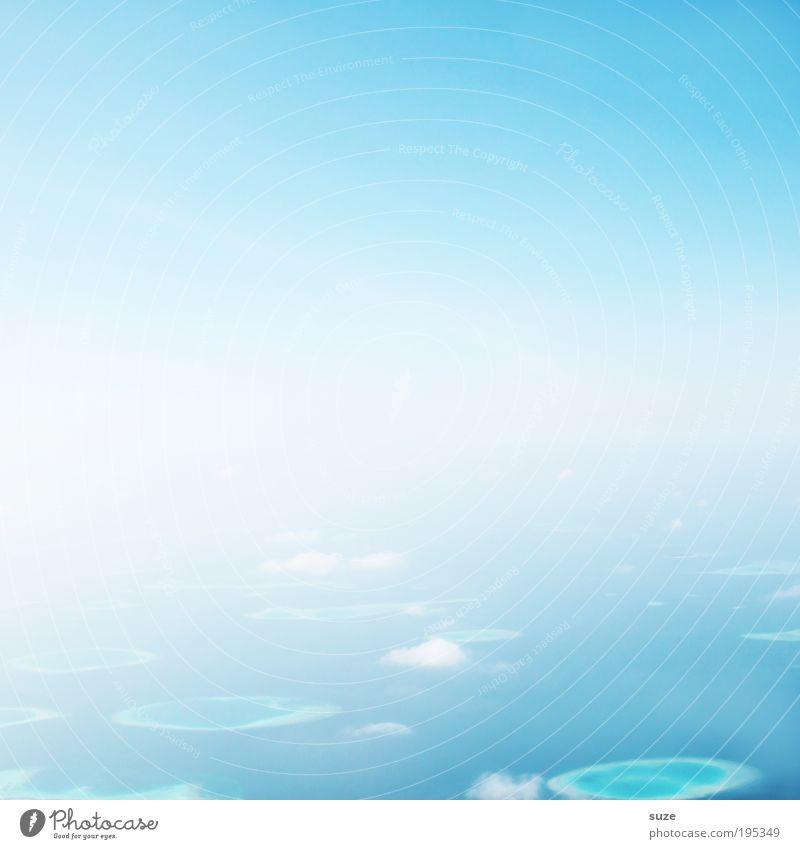 Oben Himmel Natur blau Ferien & Urlaub & Reisen Sommer Sonne Wolken Umwelt Freiheit Luft hell Horizont träumen außergewöhnlich fliegen Reisefotografie