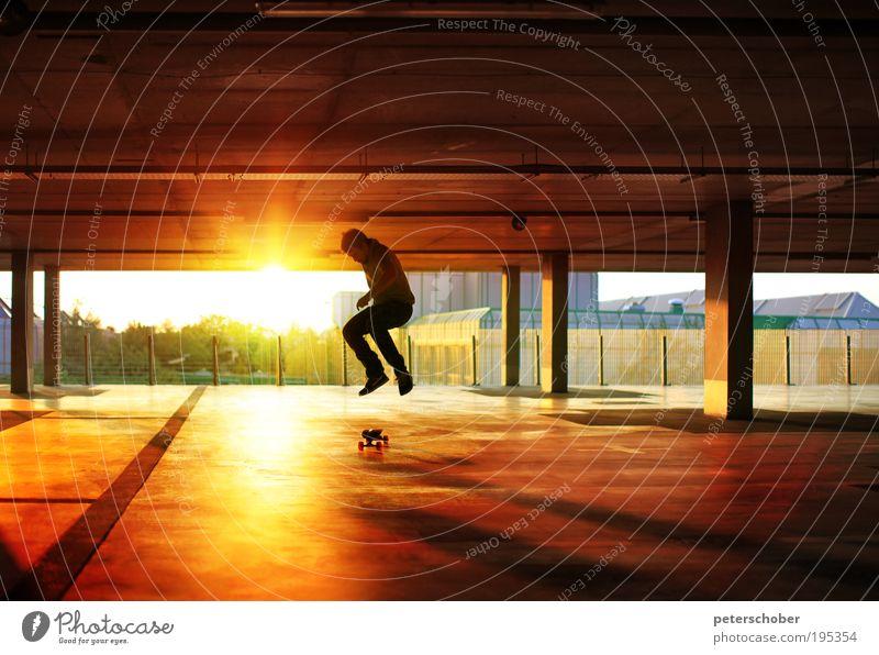 hangtime Sonne Sport maskulin Junger Mann Jugendliche 1 Mensch Jugendkultur Sonnenaufgang Sonnenuntergang Industrieanlage Gebäude toben sportlich
