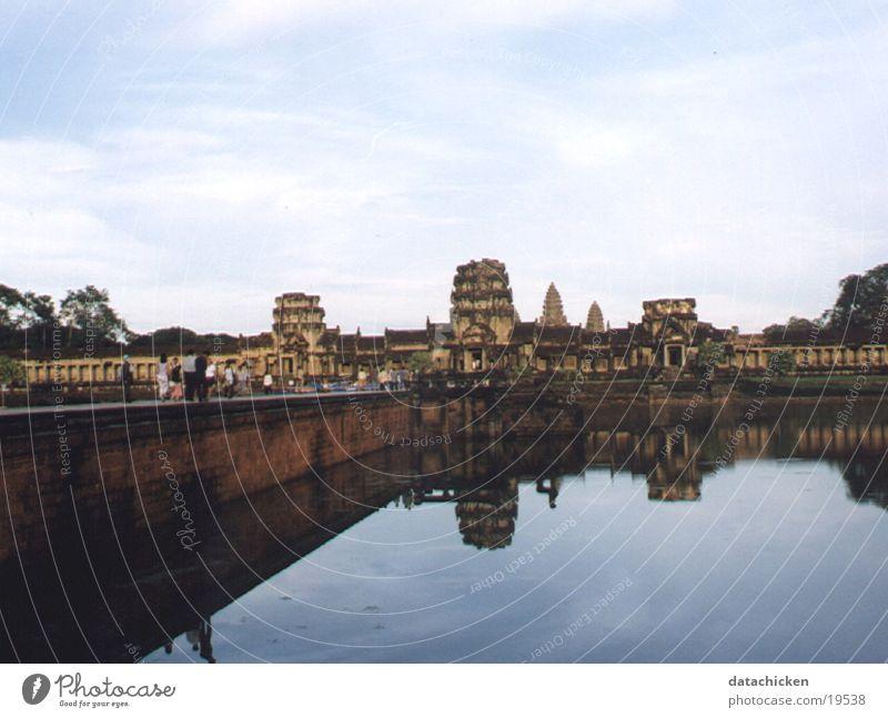 Bangkok Los Angeles Ankor Wat Cambodia
