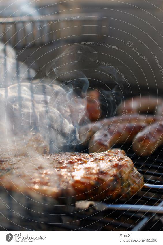 gleich darf gefeiert werden Lebensmittel Feste & Feiern lecker Grillen Fleisch Grill Wurstwaren
