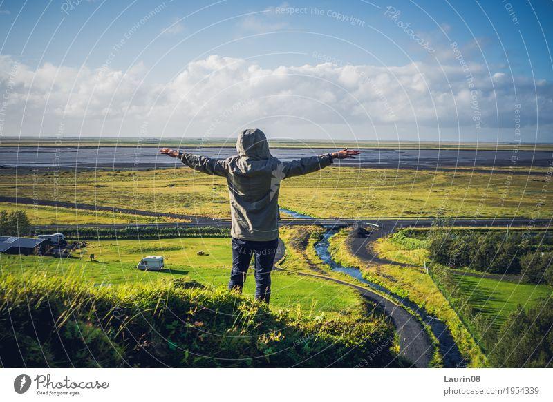 the Freedom of Island Mensch Ferien & Urlaub & Reisen Jugendliche Mann Pflanze Sonne Junger Mann Landschaft Erholung ruhig Ferne 18-30 Jahre Berge u. Gebirge