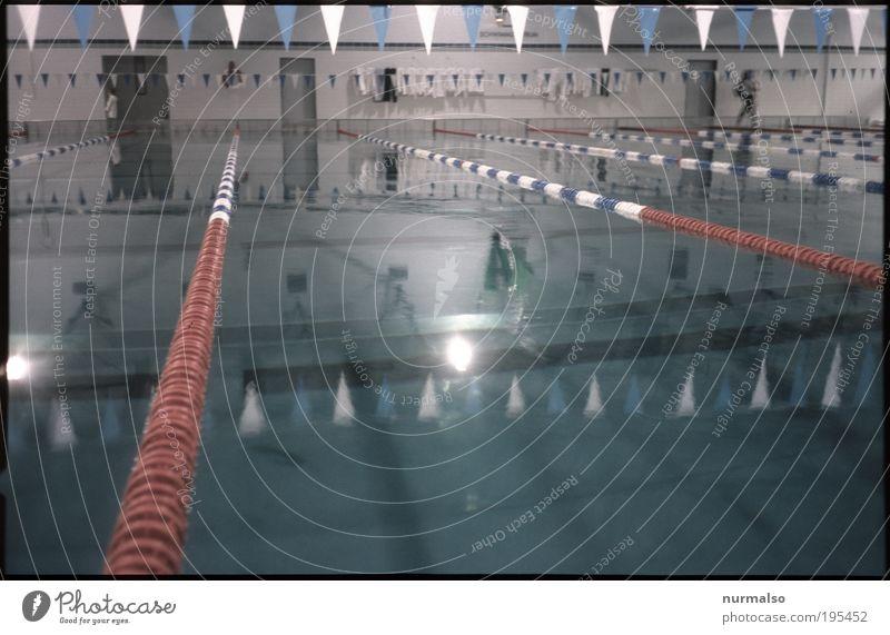 Bahnen Stil Leben Freizeit & Hobby Sport Wassersport Sportler Sportveranstaltung Erfolg Schwimmbad Schwimmhalle Schwimmlehrer Umwelt Bikini Badehose Fahne