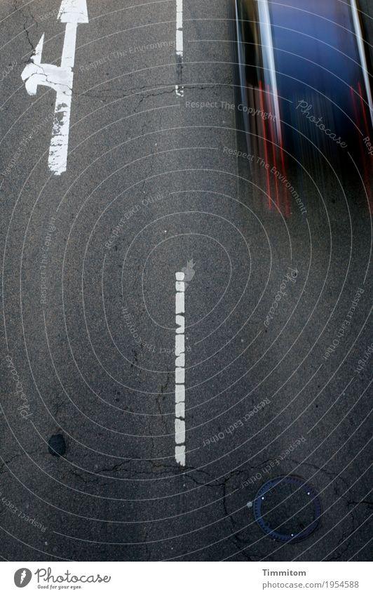 Sucht | Geschwindigkeit (2/3) Verkehr Straßenverkehr Autofahren Fahrzeug PKW Zeichen Schilder & Markierungen blau grau rot weiß Bewegungsunschärfe Speed