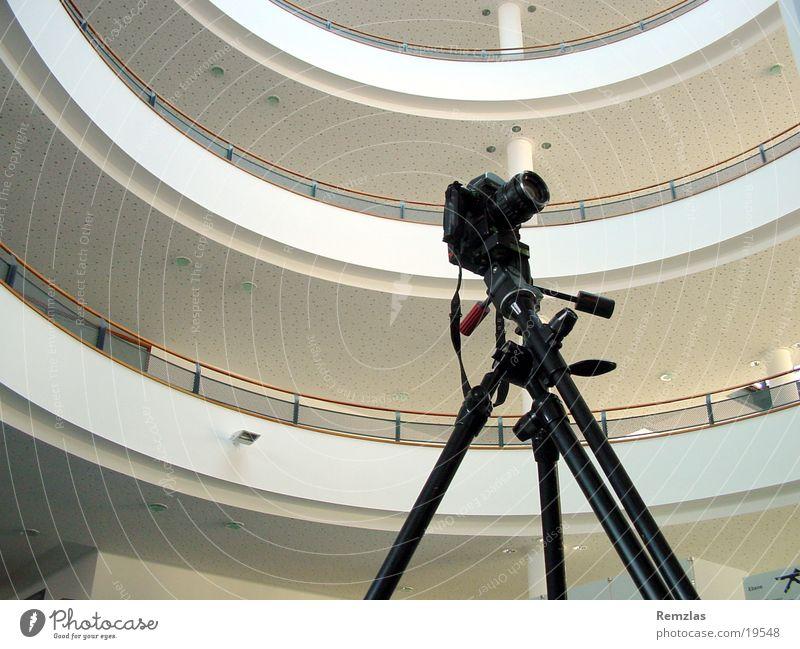Architekturfotografie Fotokamera Fotograf Fotografieren Stativ Etage Spaziergang Photo-Shooting