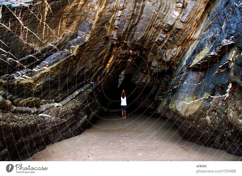 Spaziergang am Strand maskulin 1 Mensch Natur Erde Wasser Felsen berühren Bewegung bezahlen laufen Spielen Wachstum elegant frisch Solidarität Gelassenheit