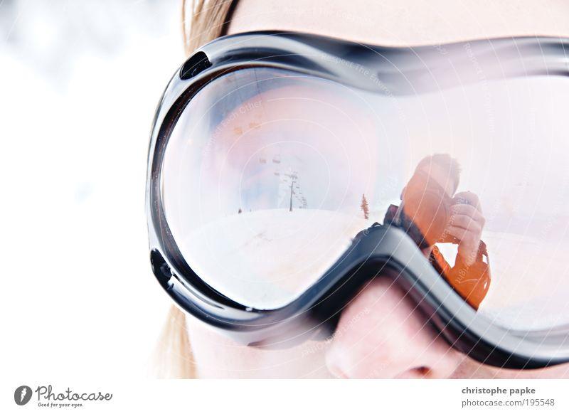 Snow Goggles Jugendliche Junge Frau Winter Berge u. Gebirge Schnee Stil Sport Freizeit & Hobby Nase sportlich Fotokamera Österreich Selbstportrait Winterurlaub