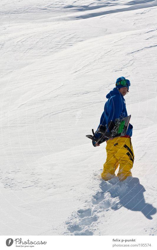 0815 winterfoto Lifestyle Stil Freude Glück Freizeit & Hobby Sport Snowboard Mensch maskulin Junger Mann Jugendliche Umwelt Schnee Berge u. Gebirge Jacke Mütze