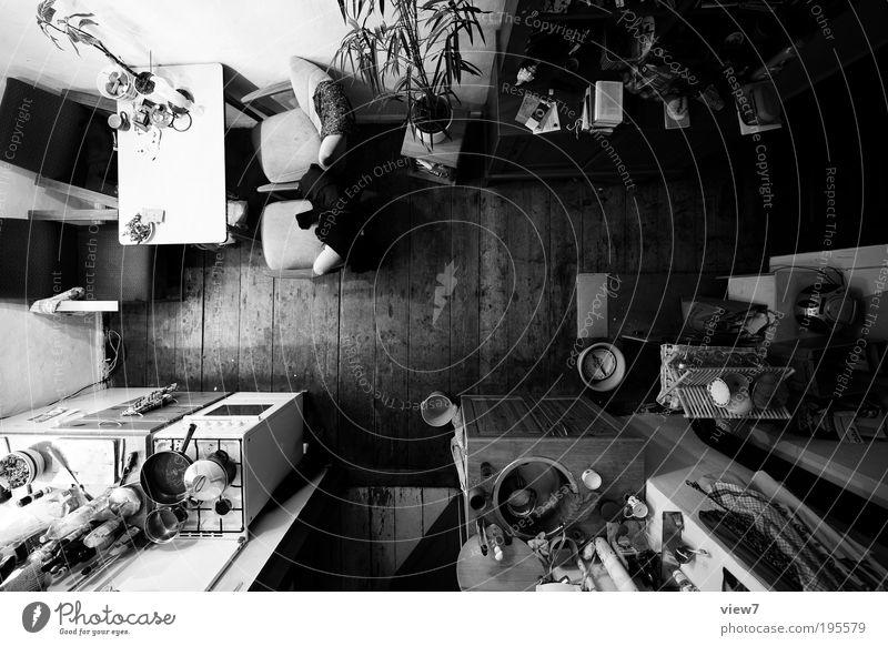 Küche+ dunkel oben Holz Stein Linie Raum Wohnung Design groß Perspektive Ordnung ästhetisch authentisch einfach Schwarzweißfoto