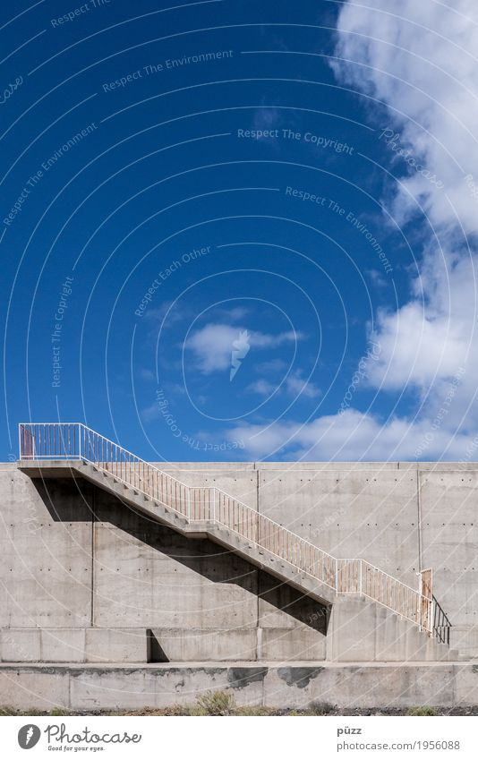 Stairway to heaven Himmel Wolken Menschenleer Hafen Architektur Mauer Wand Treppe Fußgänger Straße Wege & Pfade maritim blau grau Erfolg Neugier Hoffnung