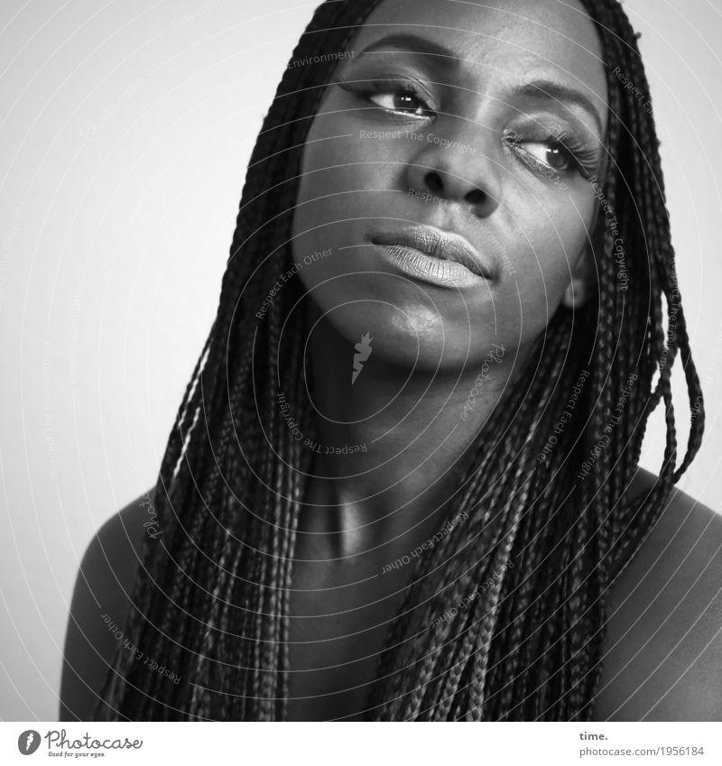 . Mensch schön Erholung ruhig feminin Zeit Haare & Frisuren Denken träumen beobachten Hoffnung Pause Inspiration langhaarig schwarzhaarig Identität