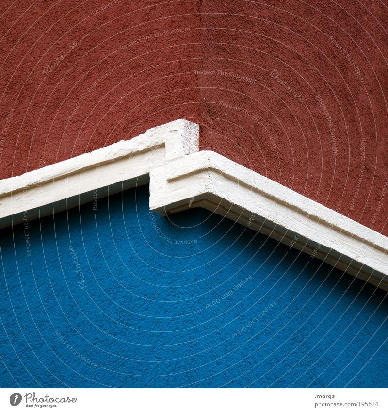 Tendenz blau rot Haus Farbe Wand Architektur Gebäude Mauer Linie Fassade Beton Ecke Streifen Häusliches Leben einfach Bauwerk
