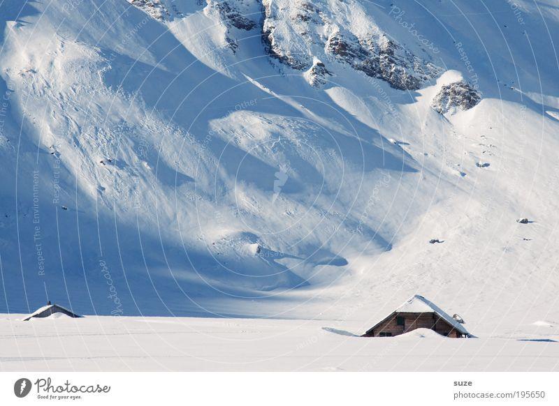 Schneehütte Natur blau Ferien & Urlaub & Reisen weiß Einsamkeit Winter Landschaft Umwelt Berge u. Gebirge kalt Eis außergewöhnlich Häusliches Leben