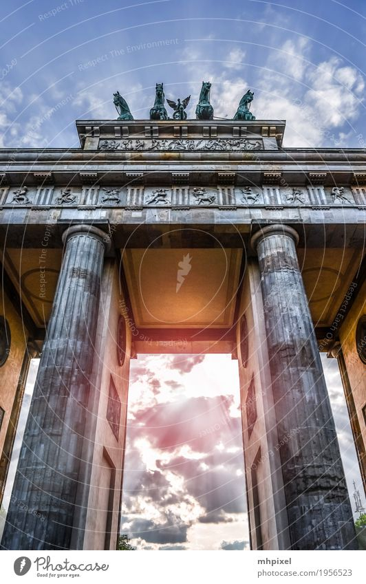 Brandenburger Tor Ferien & Urlaub & Reisen Architektur Berlin Gebäude Deutschland Tourismus Europa Bauwerk Sehenswürdigkeit Wahrzeichen Hauptstadt Denkmal