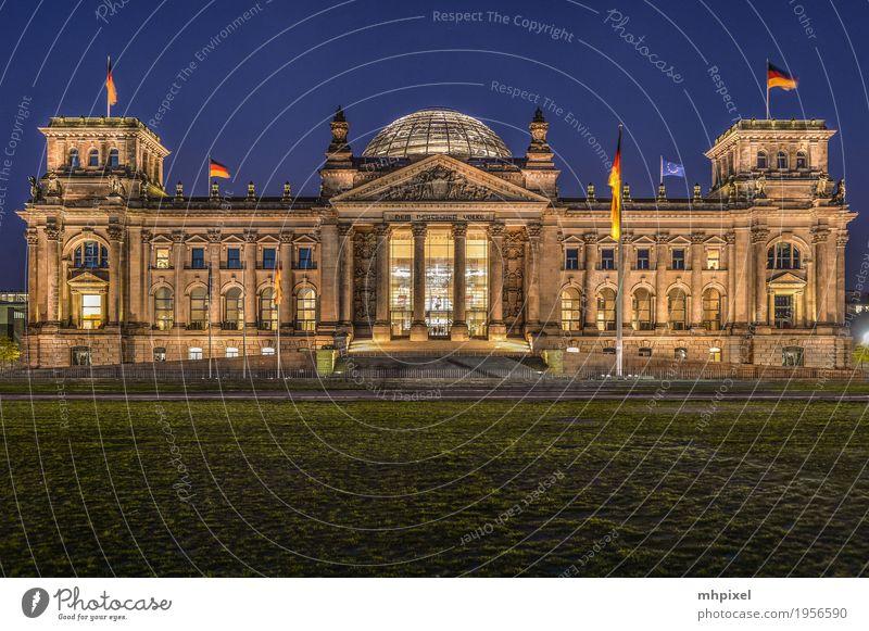 Reichstag Berlin Ferien & Urlaub & Reisen Tourismus Ausflug Politik & Staat Nachthimmel Deutschland Hauptstadt Palast Bauwerk Sehenswürdigkeit