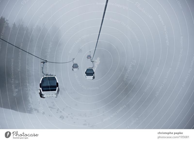 Kein blassen Dunst wie's oben ist... Ferien & Urlaub & Reisen Winter Einsamkeit kalt Schnee Berge u. Gebirge grau Angst Nebel Freizeit & Hobby Tourismus leer trist Alpen hängen Wintersport