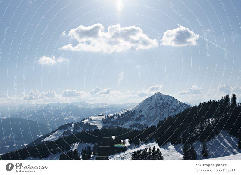 above the clouds ... etwas alpenkitschig Winter Schnee Winterurlaub Berge u. Gebirge Skipiste Schönes Wetter Alpen Gipfel Schneebedeckte Gipfel Brixental