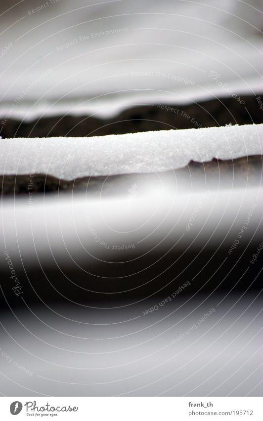 snowy steps Angeln Ausflug Winter Schnee Natur Personenverkehr Wege & Pfade Linie Streifen Blick stehen Stimmung standhaft Müdigkeit gefährlich Sicherheit Kraft