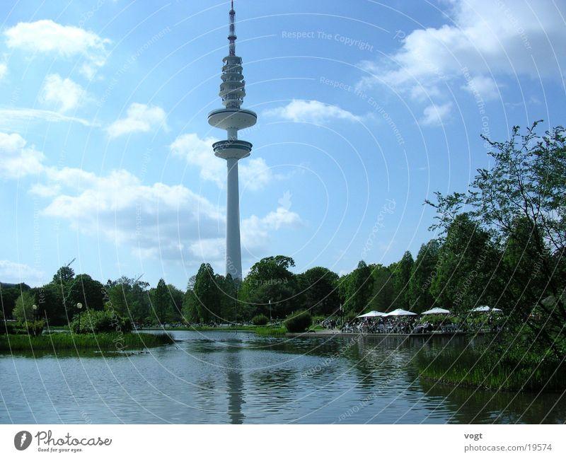 Oase der Ruhe Pflanze Blume ruhig Wolken See Park Hamburg Terrasse Fernsehturm Hamburger Fernsehturm