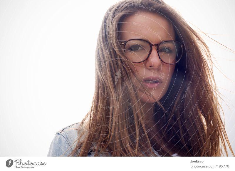 gegenlicht und wind im haar... Lifestyle Stil schön harmonisch Sinnesorgane Mensch feminin Frau Erwachsene Leben Kopf Gesicht Auge Mund Lippen Zähne Jacke
