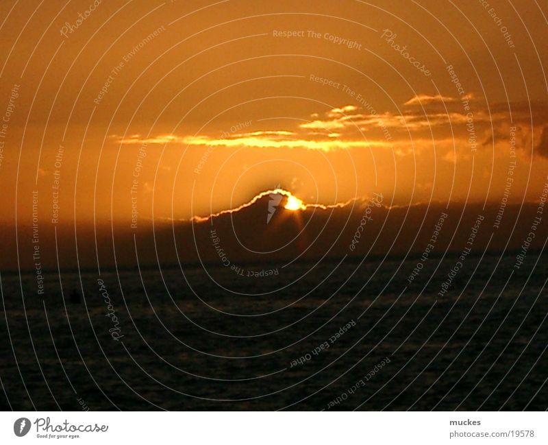 Sonnenuntergang in La Palma Kanaren Wolkenbild