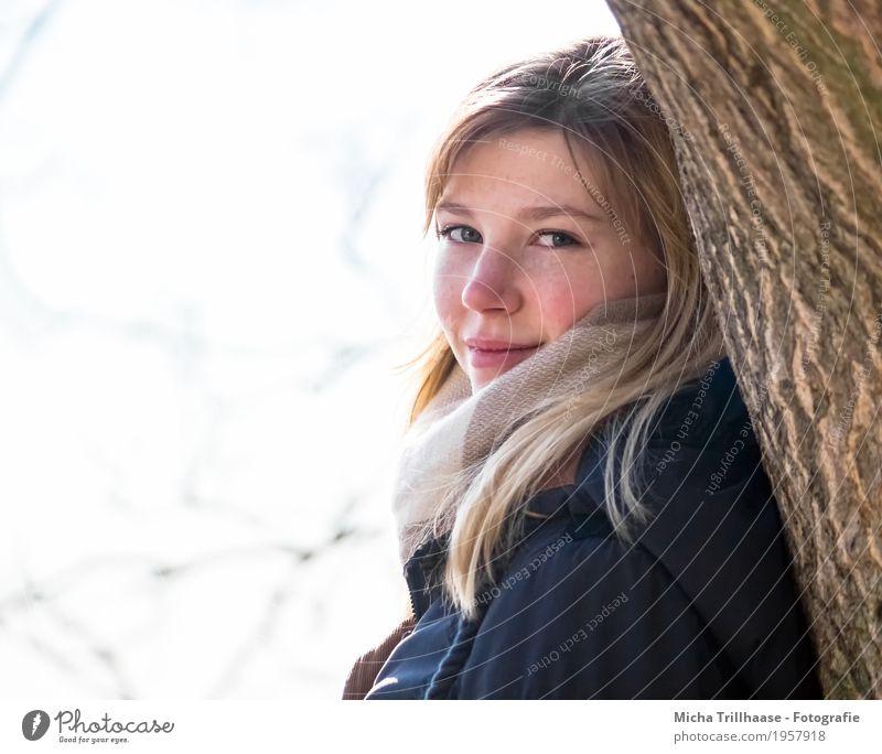 Portrait junge blonde Frau Mensch Jugendliche blau Junge Frau schön weiß Baum Erholung 18-30 Jahre Gesicht Erwachsene Auge gelb natürlich feminin