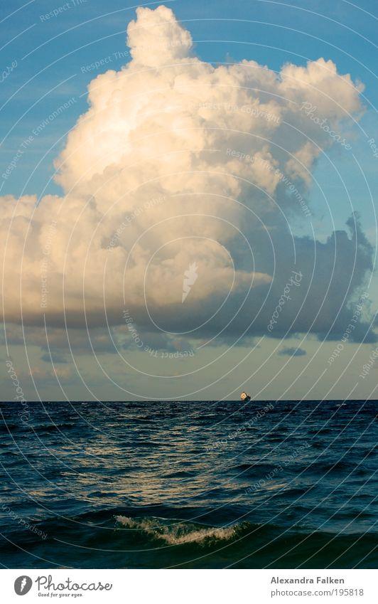 Eine Seefahrt... Himmel Meer Wolken Wasserfahrzeug Wellen Küste Wind Wetter Horizont Verkehr Güterverkehr & Logistik Klima Sturm Seeufer Unwetter Schifffahrt