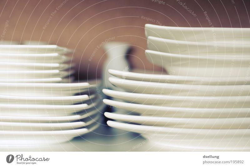 Einfach ganz gewöhnlich weiß Ernährung Ordnung Sauberkeit Geschirr Teller Abendessen Mittagessen Licht Perspektive Kaffeetrinken